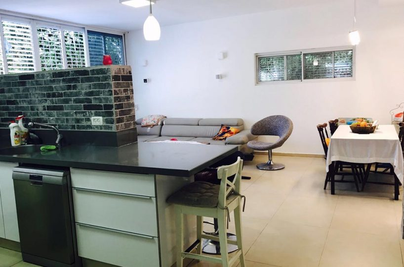 למכירה ברעננה - דירת 4 חדרים שקטה ומרכזית