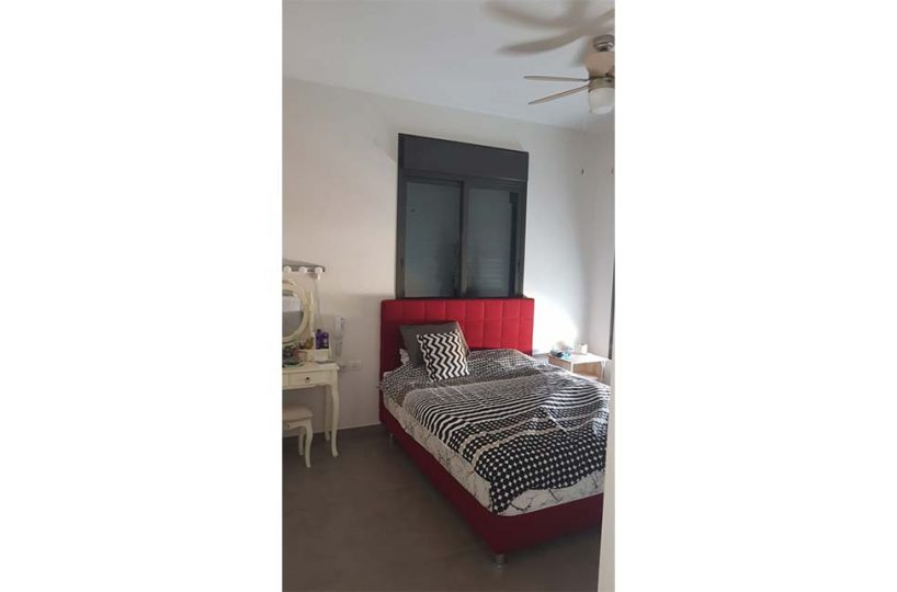 למכירה דירת 4 חדרים חדשה ומושקעת